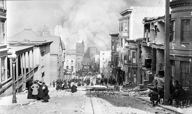 Looking down Sacramento Street after 1906 earthquake